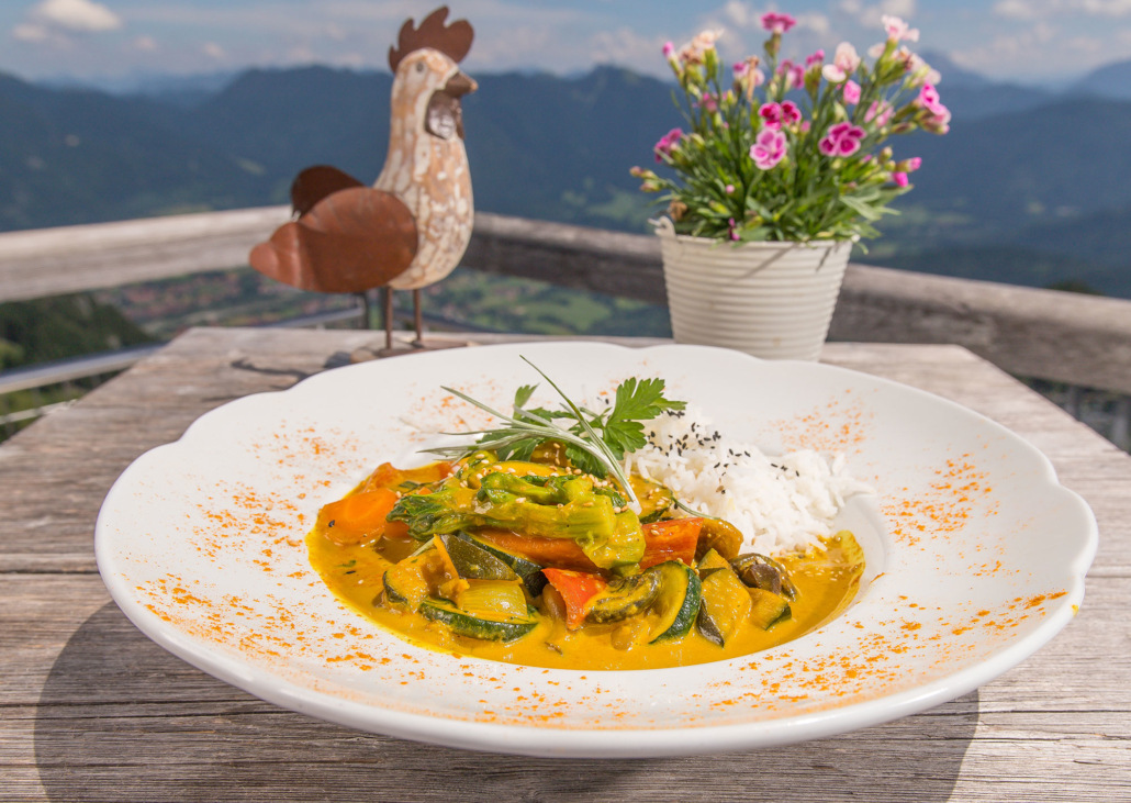 Veganes Sommergemüse in Curry-Kokosmilch